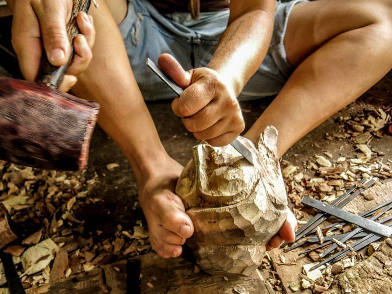 apprendre a sculpter le bois top ici with apprendre a sculpter le bois elegant ange seraphin. Black Bedroom Furniture Sets. Home Design Ideas