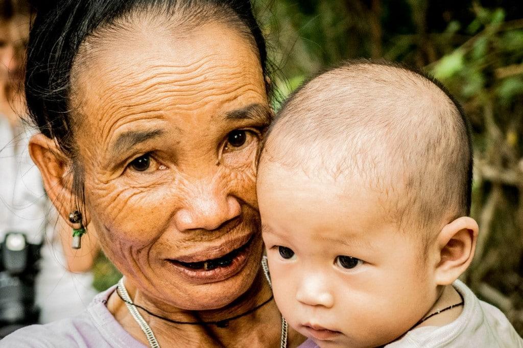 Grand mère Thaï noir