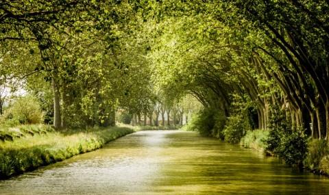 De Agde à Béziers sur le Canal du Midi en péniche sans permis