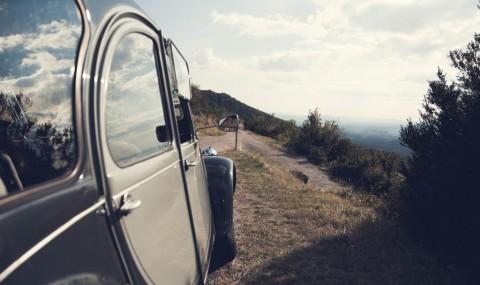 Sur les routes de l'Ardèche en 2CV