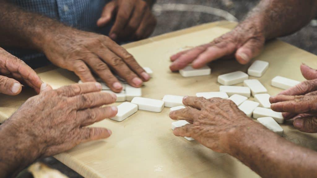 Joueurs de dominos